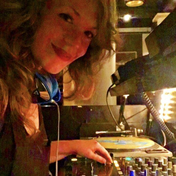DJ Courtney Love